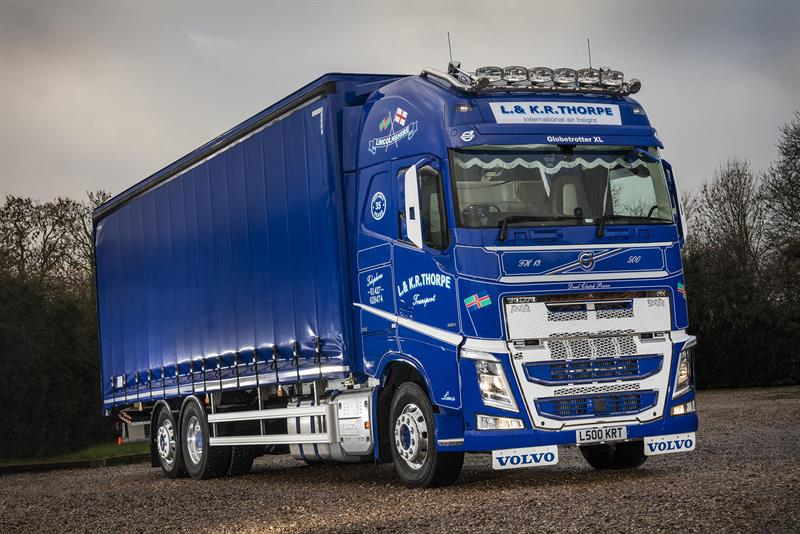 FH with I-Shift dual clutch shifts L&KR Thorpe to Volvo
