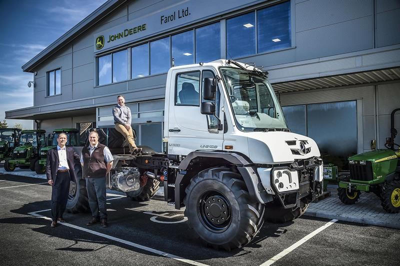 Farol takes on mercedes benz unimog dealership for Mercedes benz sales jobs