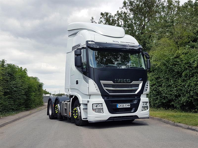 Iveco and Aerodyne adapt Stralis tractor for double deck trailers