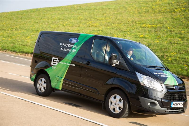 5eea002507 Ford unveils plug-in hybrid electric Transit Custom ahead of London trial08  September 2017
