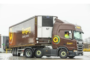 Don-Bur Supplies Temperature Controlled Curtainsiders to Gregory Distribution