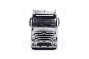 True trucking test for new mercedes benz actros for Mercedes benz hours of operation
