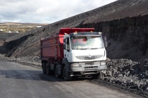renault thompson and edbro tippers for welsh land reclamation. Black Bedroom Furniture Sets. Home Design Ideas