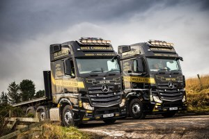Dyce carriers goes for flexible finance with new actros for Mercedes benz truck financial