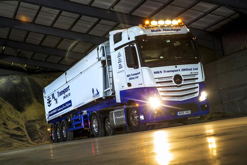 M Amp N Transport Goes All Mercedes With Five More Actros Trucks
